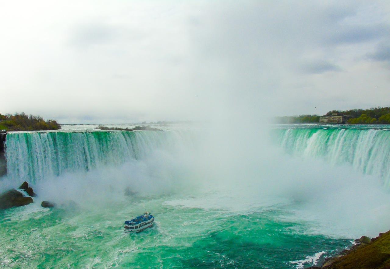 Toronto y Cataratas del Niagara en undía
